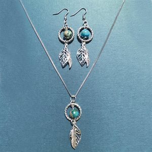 Silver Earing And Necklace Set With Bead And Feathers